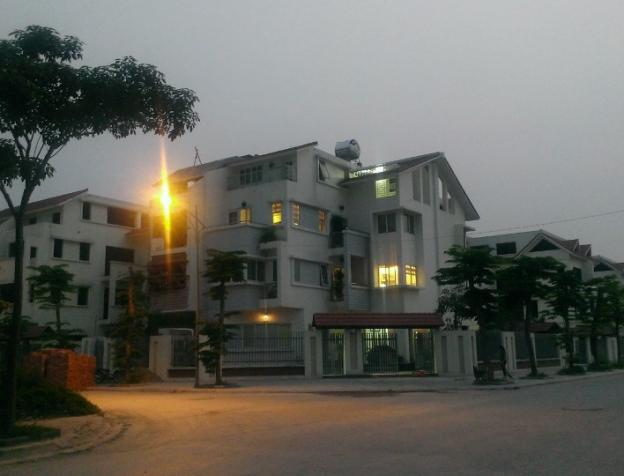 cần bán gấp biệt thự TT4 Thành phố giao lưu, 232-234 Phạm Văn Đồng Hà Nội