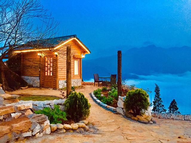 Đẹp ngỡ ngàng ngôi nhà gỗ săn mây trên đỉnh núi ở SaPa - Ảnh 12.