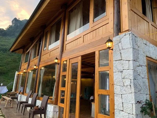 Đẹp ngỡ ngàng ngôi nhà gỗ săn mây trên đỉnh núi ở SaPa - Ảnh 4.
