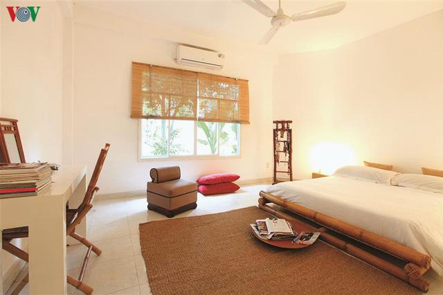 Ngôi nhà có phong cách nhiệt đới lịch lãm - Ảnh 10.