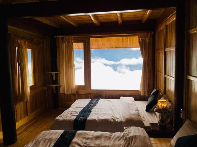 Đẹp ngỡ ngàng ngôi nhà gỗ săn mây trên đỉnh núi ở SaPa - Ảnh 10.
