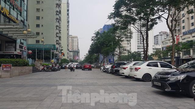 Cận cảnh khu đất công làm bãi xe biến hình thành cao ốc ở Hà Nội - Ảnh 12.