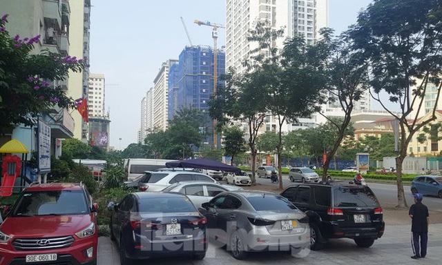 Cận cảnh khu đất công làm bãi xe biến hình thành cao ốc ở Hà Nội - Ảnh 16.