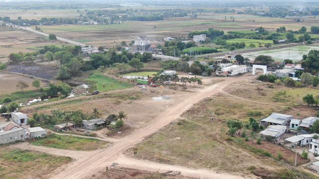 Cận cảnh khu đất ở Bà Rịa-Vũng Tàu đang bị kiểm tra vì bán đất nền kiểu Alibaba  - Ảnh 3.