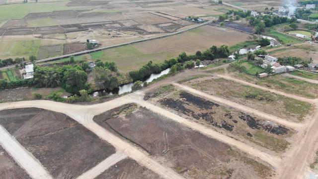 Cận cảnh khu đất ở Bà Rịa-Vũng Tàu đang bị kiểm tra vì bán đất nền kiểu Alibaba  - Ảnh 22.