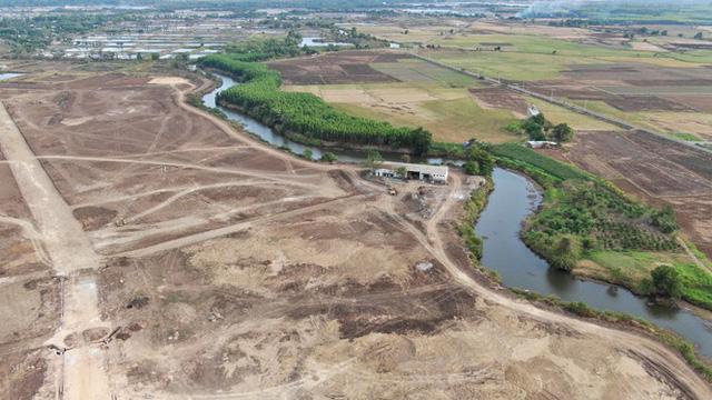 Cận cảnh khu đất ở Bà Rịa-Vũng Tàu đang bị kiểm tra vì bán đất nền kiểu Alibaba  - Ảnh 25.