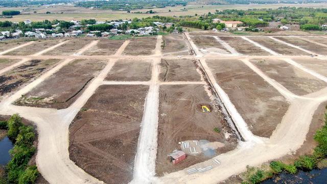 Cận cảnh khu đất ở Bà Rịa-Vũng Tàu đang bị kiểm tra vì bán đất nền kiểu Alibaba  - Ảnh 30.