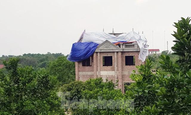 Lại tái diễn tình trạng 'xẻ núi bạt đồi' xây biệt thự ở Ba Vì - Ảnh 4.