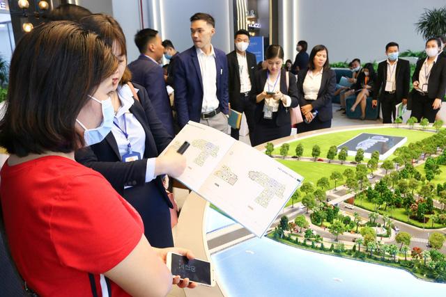 BĐS khu Đông sôi động với lễ ra mắt dự án d'Lusso Quận 2 - Ảnh 3.