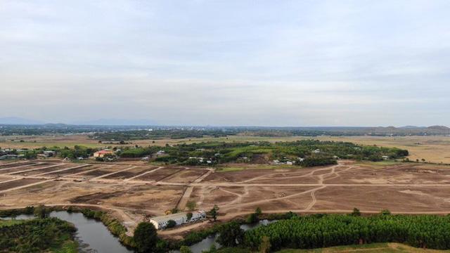 Cận cảnh khu đất ở Bà Rịa-Vũng Tàu đang bị kiểm tra vì bán đất nền kiểu Alibaba  - Ảnh 34.