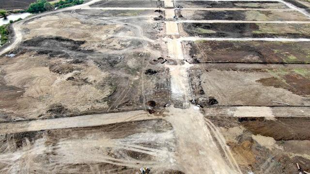 Cận cảnh khu đất ở Bà Rịa-Vũng Tàu đang bị kiểm tra vì bán đất nền kiểu Alibaba  - Ảnh 35.
