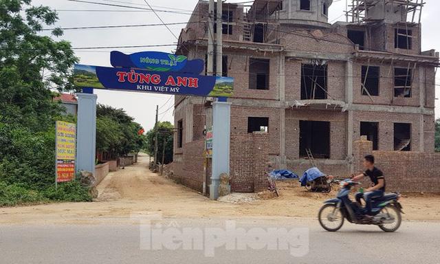 Lại tái diễn tình trạng 'xẻ núi bạt đồi' xây biệt thự ở Ba Vì - Ảnh 5.