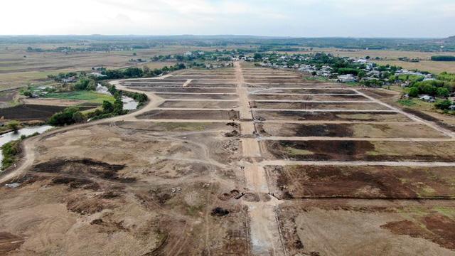 Cận cảnh khu đất ở Bà Rịa-Vũng Tàu đang bị kiểm tra vì bán đất nền kiểu Alibaba  - Ảnh 6.