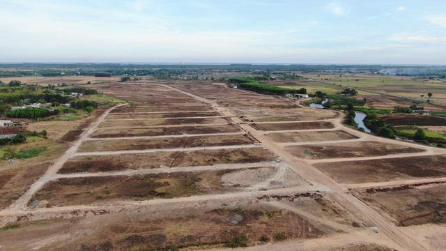 Cận cảnh khu đất ở Bà Rịa-Vũng Tàu đang bị kiểm tra vì bán đất nền kiểu Alibaba  - Ảnh 8.