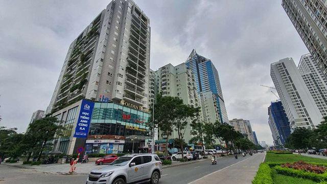 Cận cảnh khu đất công làm bãi xe biến hình thành cao ốc ở Hà Nội - Ảnh 8.
