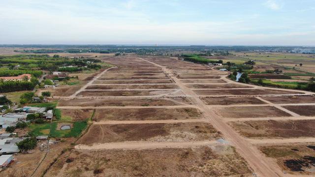 Cận cảnh khu đất ở Bà Rịa-Vũng Tàu đang bị kiểm tra vì bán đất nền kiểu Alibaba  - Ảnh 9.