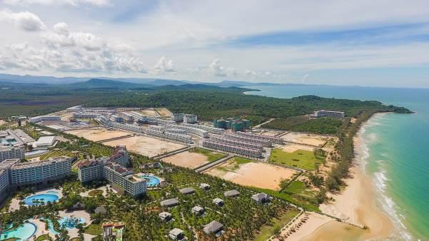 """VinWonders, Grand World và Corona Casino – bộ ba """"chân kiềng"""" tạo bước ngoặt mới cho Phú Quốc - Ảnh 1."""