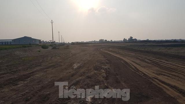 Nở rộ phân lô, bán nền trên bãi đất trống ở Bắc Ninh  - Ảnh 1.