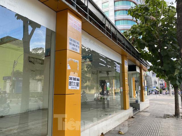 Nhà phố tiền tỷ thi nhau đóng cửa, treo biển cho thuê ở trung tâm Sài Gòn - Ảnh 1.