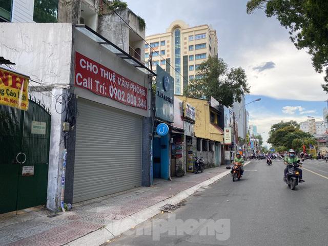 Nhà phố tiền tỷ thi nhau đóng cửa, treo biển cho thuê ở trung tâm Sài Gòn - Ảnh 19.