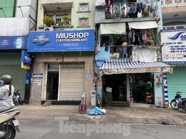 Nhà phố tiền tỷ thi nhau đóng cửa, treo biển cho thuê ở trung tâm Sài Gòn - Ảnh 9.